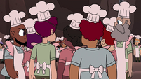 S4E2 Pie Folk bunched up in a circle