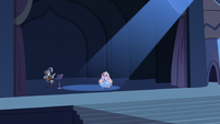 S2E40 Ruberiot and Star Butterfly puppet performing