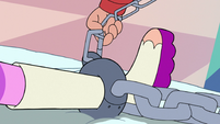 S3E18 Marco attaches chain to Star's shackles