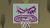 S3E30 Lady Avarius dummy in a basketball hoop