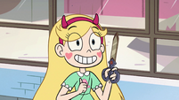 S2E32 Star takes out Marco's dimensional scissors