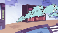 S2E22 Multiple narwhals pulled toward the entrance