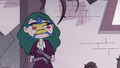 S3E11 Glossaryck jumps onto Eclipsa's face