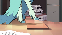 S3E28 Queen Butterfly almost steps on a trap tile