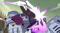 S4E33 Eclipsa attacks Solarian Warrior with magic