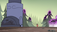 S4E33 Marco Diaz appears over the horizon