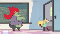 S2E32 Star Butterfly dashing out of the classroom