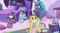 S3E21 Jan-Jan Pony Head 'I should be queen!'