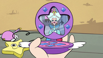 S2E6 Queen Butterfly in Star's compact mirror