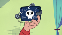S4E11 Close-up on Marco's security wallet