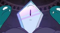 S4E4 Rhombulus' face suddenly shimmers