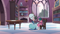 S3E28 Queen Butterfly reassuring Eclipsa