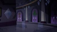 S4E21 Circular hallway of other spells' room