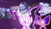 S4E33 Solarian Warrior's armor gets vaporized