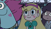 S3E16 Star smiling at Marco from the crowd