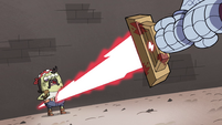S4E33 Solarian Warrior stabs Quirky Guy