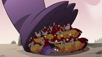 S3E37 Hekapoo and clones stop Meteora's foot