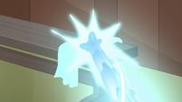 S1E5 Magic beam hits a towel