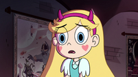 S4E36 Star Butterfly listening to Glossaryck