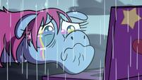 S3E35 Pony Head crying rainbow tears