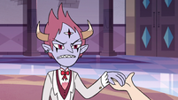 S3E10 Tom Lucitor taking Star Butterfly's hand