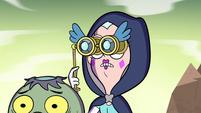 S2E40 Queen Moon zooms in with her binoculars