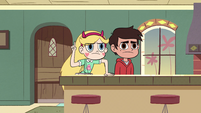 S2E40 Star Butterfly pointing upstairs