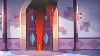 S3E10 The ballroom doors burn