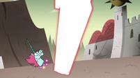 S4E33 Pony Head dodges Solarian Sword
