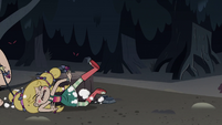 S3E27 King Butterfly drags Star by her hair