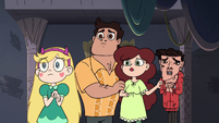 S3E32 Star, Marco, and Marco's parents look worried