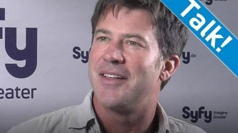 """""""Stargate Atlantis"""" Interview - Joe Flanigan über die lustigsten Momente beim Dreh - Syfy"""
