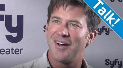 """""""Stargate Atlantis"""" Interview - Joe Flanigan über die Existenz von Außerirdischen - Syfy"""