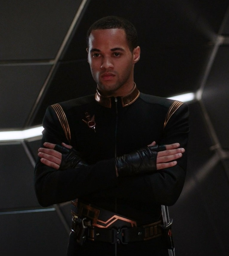 Imperial Starfleet uniform without chestplate, 2256.jpg