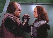 Worf and K'Ehleyr say goodbye copy