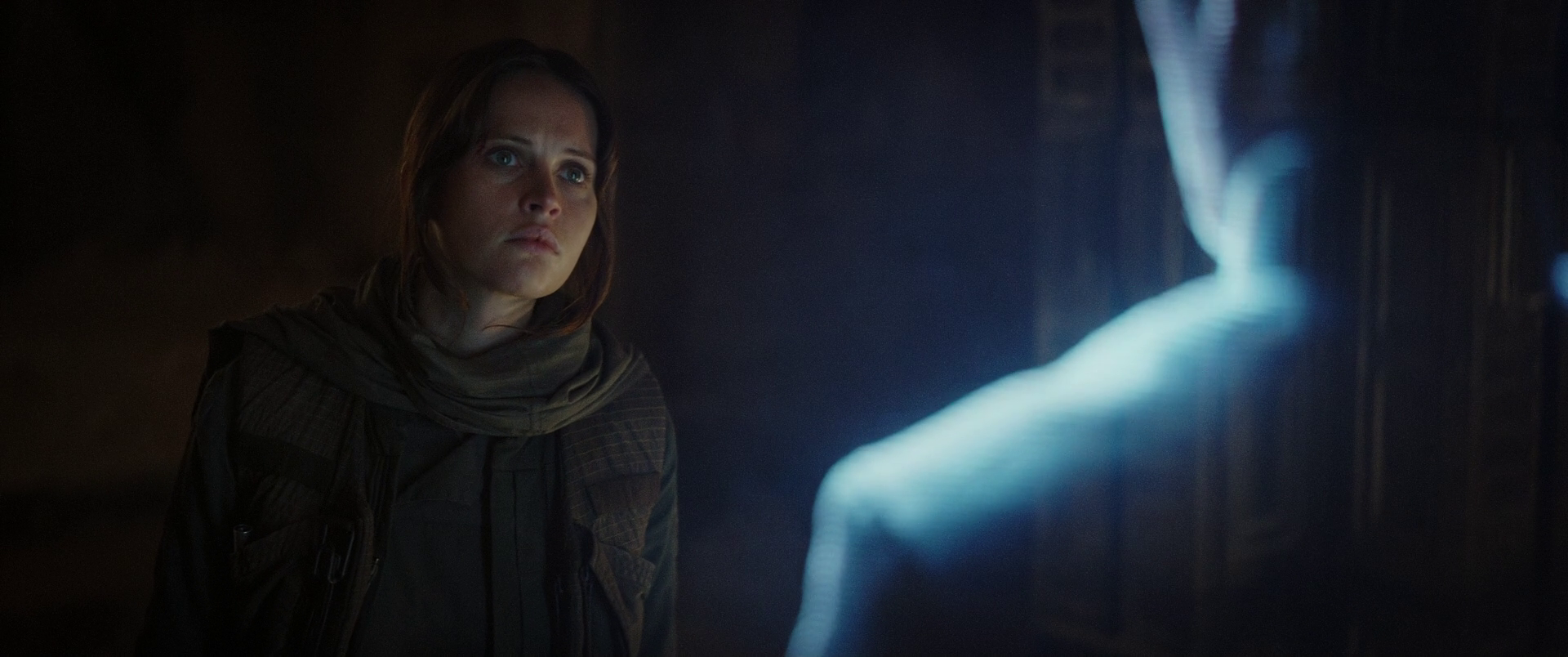 Jyn watching Galen's Message.png
