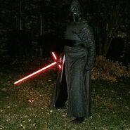 Kylo-ren-costume-pic