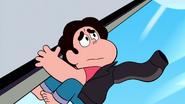 Steven Floats (199)
