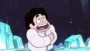 SU - Arcade Mania Steven Hugging Himself 2