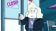 Steven Floats (033)