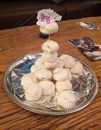 Chocolate chip meringue cloud-puffs2
