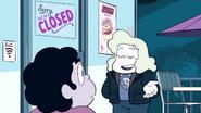 Steven Floats (042)