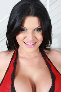 Angelina as Gleicy Ruiz.jpg