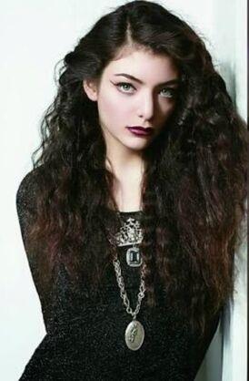 Lorde fashion.jpg
