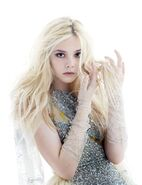 Elle-fanning-w-magazine-photoshoot-2011