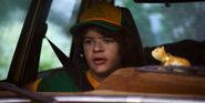 S03E01-Dustin arriving
