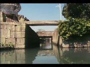 Yanagawa's_canals_(Miyazaki)