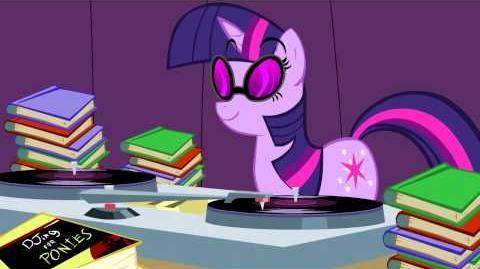 Twilight Sparkle doesn't know how to DJ