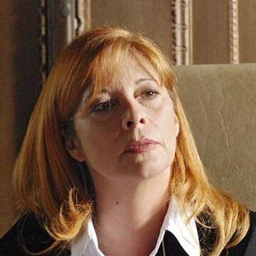 Mögens prall manche Carole Davis