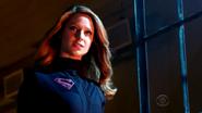 Supergirl-falling